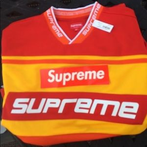 Authentic SUPREME Jersey NEW with tag!!🎉